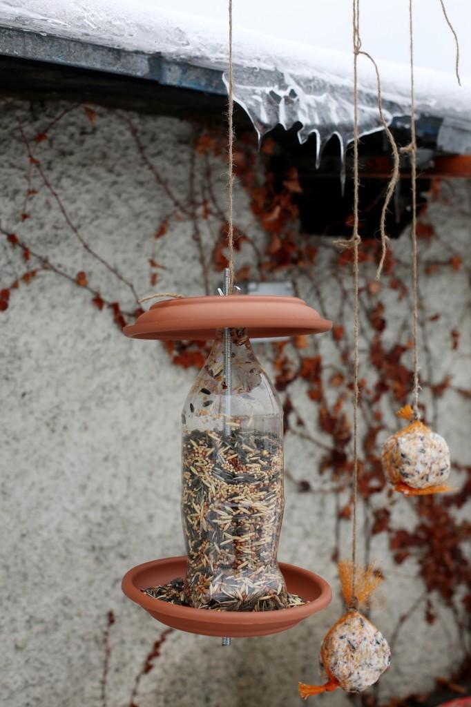 Zagreb, 04.02.2014 -Urbana vrtlarka pripremila je hranilice za ptice